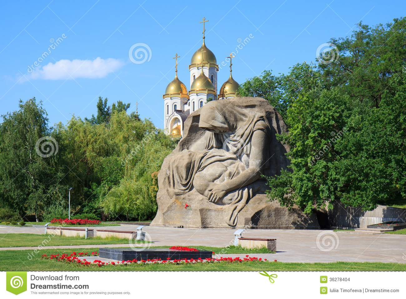 monument-mothers-sorrow-mamaev-kurgan-volgograd-russia-memorial-mother-s-mamayev-memorial-complex-commemorating-battle-36278404.jpg (1300×957)