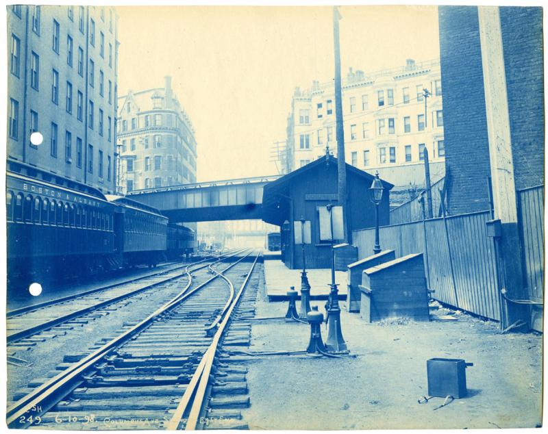 Columbus Avenue station - Cianotipia - Wikipedia