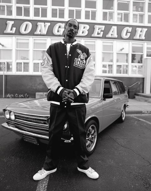 estevan oriol: SNOOP DOGG REPPIN IN LONG BEACH AT Polytechnic High School
