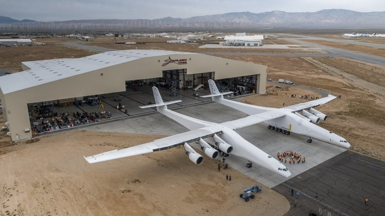 Paul Allen's colossal Stratolaunch plane emerges from its lair | The Seattle Times