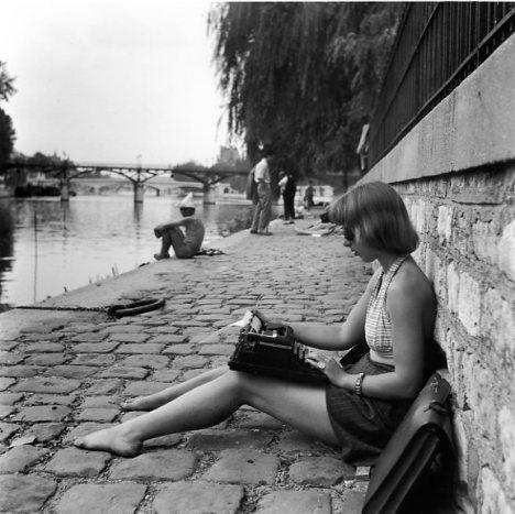 Resultados de la Búsqueda de imágenes de Google de http://www.robert-doisneau.com/ressources/photo/1/diaporama,1390-11-La-dactylo-du-Vert-Galant,Paris-.jpeg