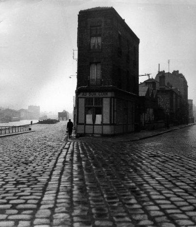 Resultados da Pesquisa de imagens do Google para http://www.robert-doisneau.com/ressources/photo/1/diaporama,442-Au-Bon-coin,Saint-Denis-1945.jpeg