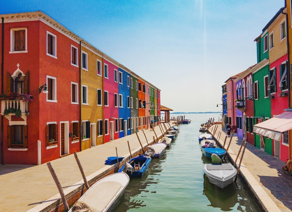 One of my favorite pictures I took from Burano, Italy. Definitely worth the boat ride : travel