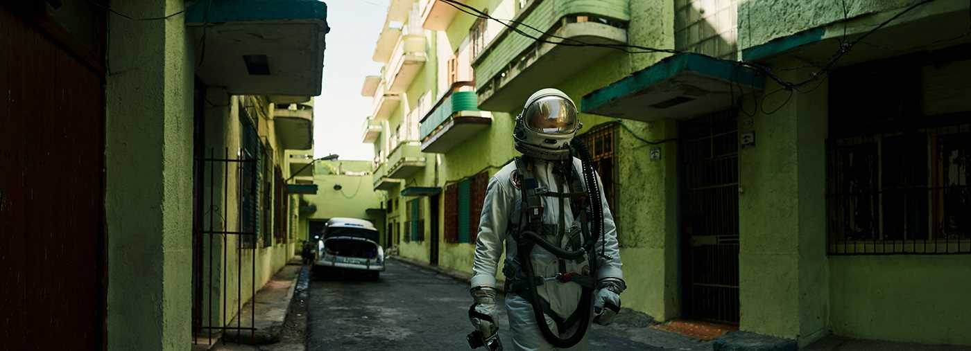 The Traveller: Conceptual Photography by Maximilian Motel