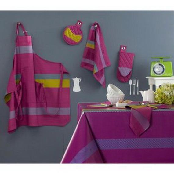 Striped Tablecloth for Stylish Dining Tables | Dining Room Designs