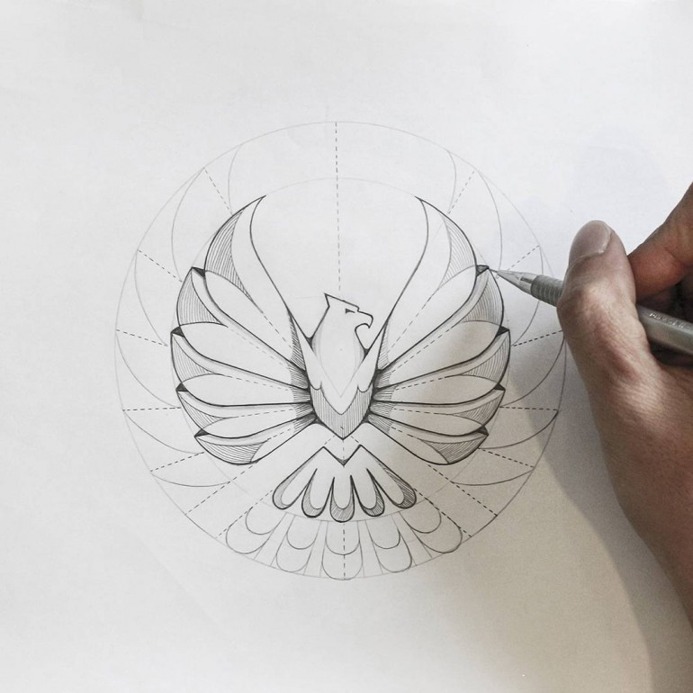 Eagle logo sketch version on Inspirationde