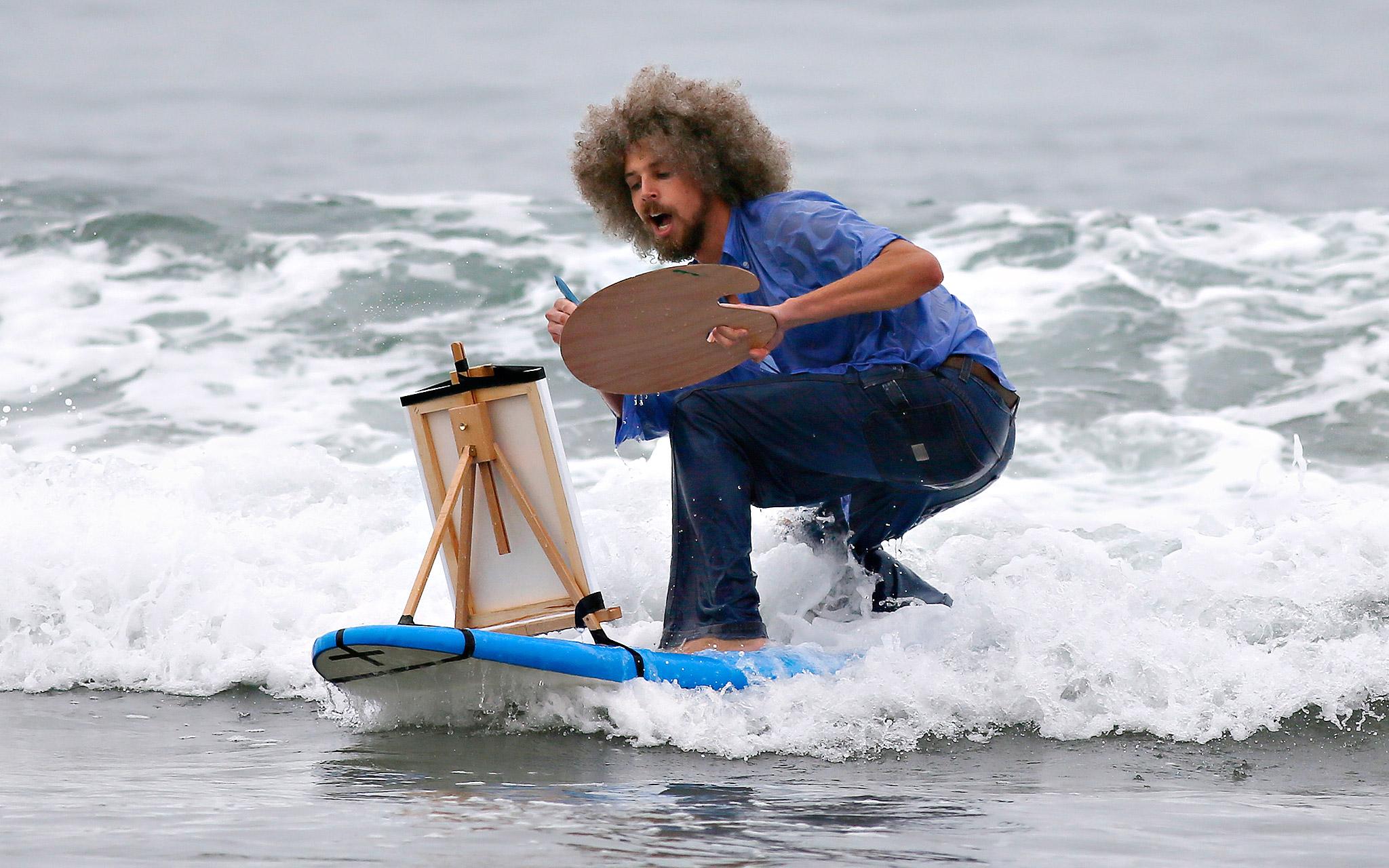 surfing in costume - Szukaj w Google
