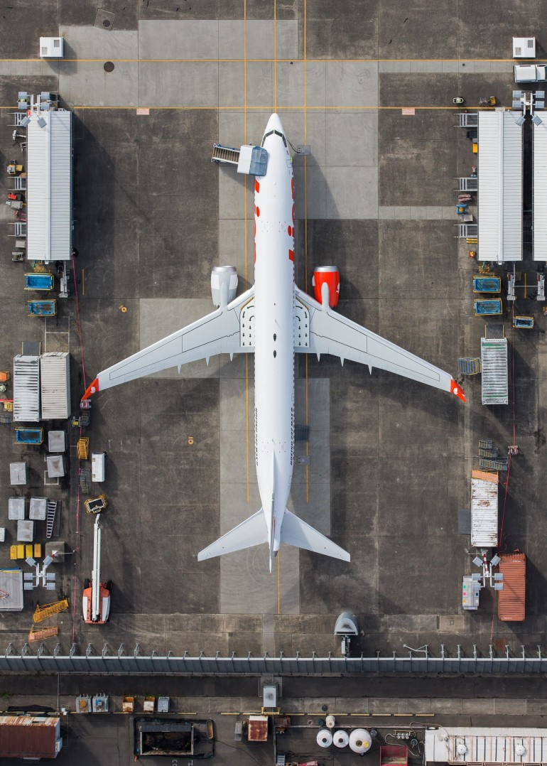 The Life Cycle of Planes, as Told in Stunning Aerial Photos on Inspirationde