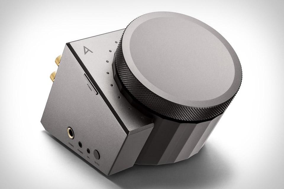 Astell&Kern Acro L1000 Desktop Headphone Amplifier | Uncrate