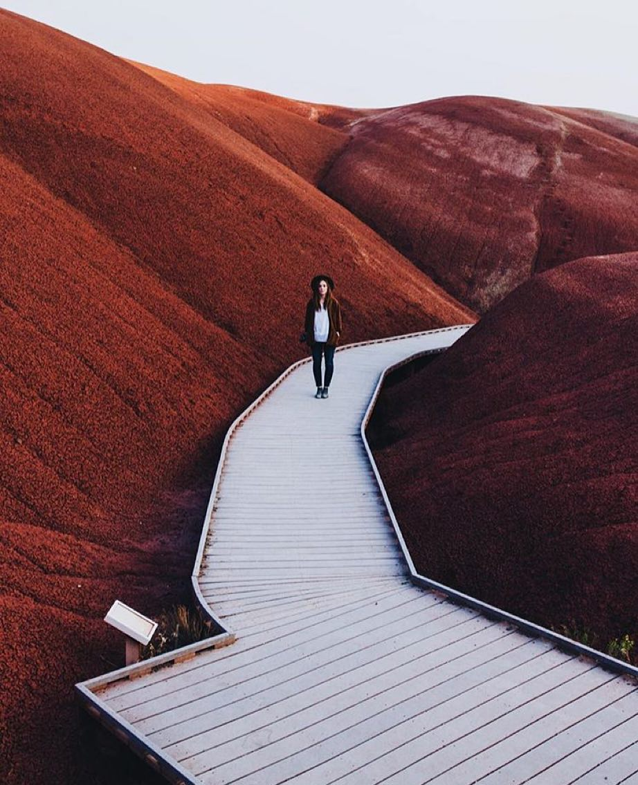 Dame Traveler @lizballmaier ????Oregon ???? by @monascherie on Inspirationde
