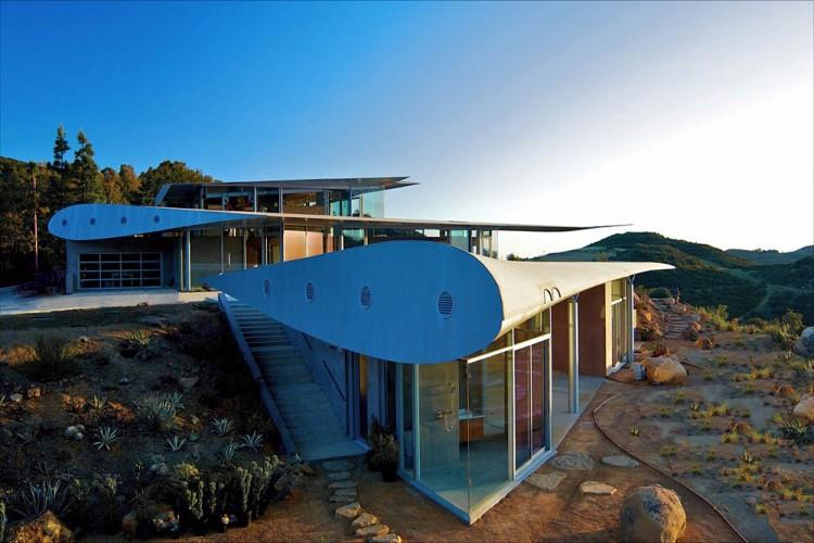 Stunning Wing House Constructed From 747 Airplane » Design You Trust – Design and Beyond!