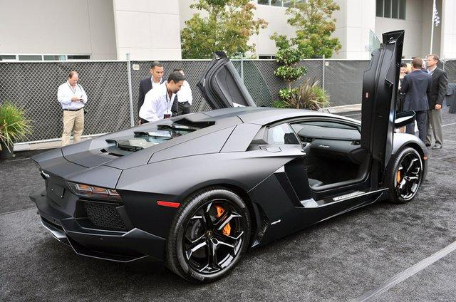 Fancy - Matte Black Aventador LP-700-4