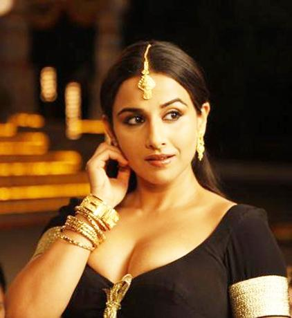Cinema Stills: Vidya Balan hot sexy stills in Dirty Picture movie