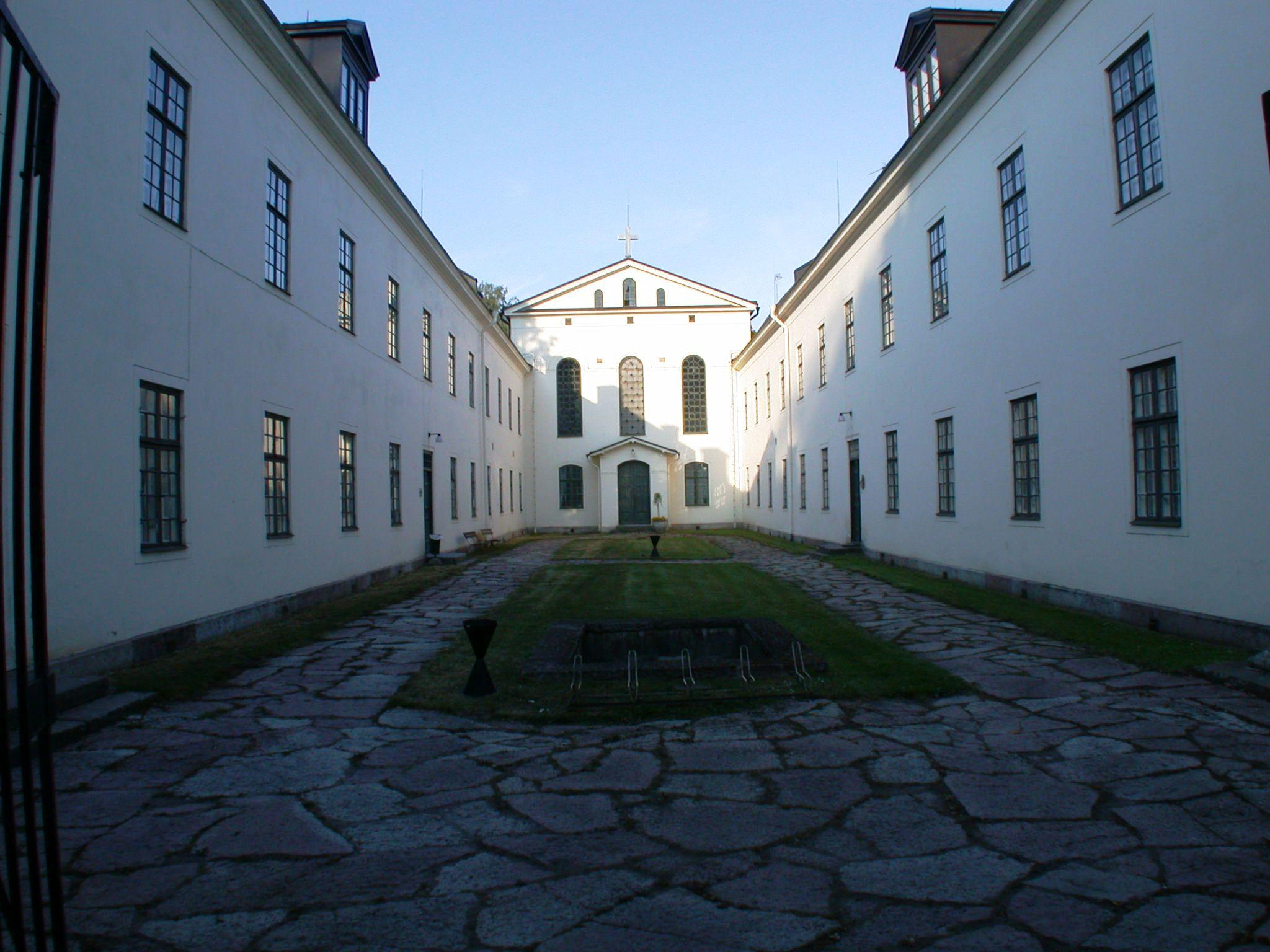The_old_asylum_Vadstena_Sweden.JPG (2048×1536)