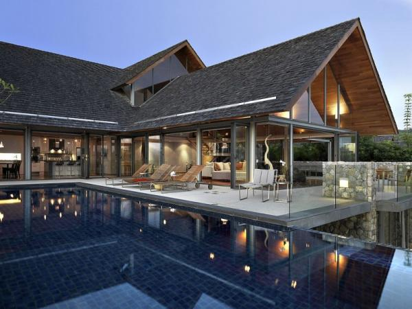 Beautiful Ocean Front House in Phuket | Cuded