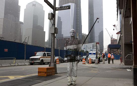 30 Pictures of Invisible Man by Liu Bolin | inspirationfeed.com