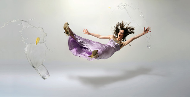 fashion-photography-emma-flying-through-air-lg.jpg (640×327)