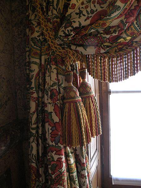 Fichier:Salon stucs passementerie Palais Bourbon.jpg - Wikipédia