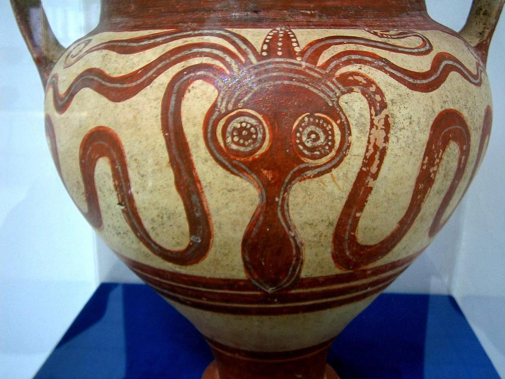 Toutes les tailles | Larnaca Museum Mycenaean amphoroid crater decoreted on both side with two stylised octopuses whose symmetrically-arranged tentacles cover the whole vase's body. The octopus was a much favoured motif of Minoan art. 14th century BC | Flickr : partage de photos !