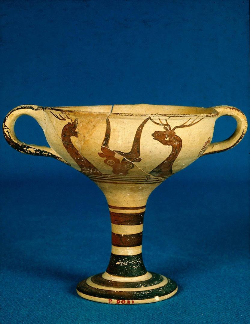Résultats Google Recherche d'images correspondant à http://popartmachine.com/artwork/BMFA-BMFA.40-9/0/Artist-not-recorded-Kylix-(wine-cup)-about-1375-1350-BC-painting-artwork-print.jpg