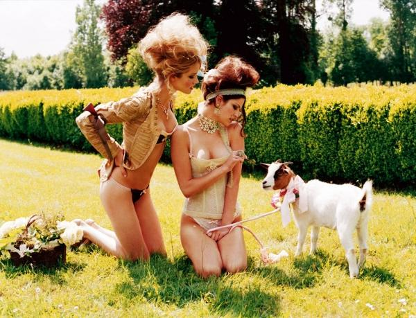 Plumes and Dentelles by Ellen von Unwerth | Who Designed It?