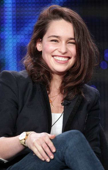 Emilia+Clarke+2011+Winter+TCA+Tour+Day+3+zRIdVXC_Jlwl.jpg (377×594)