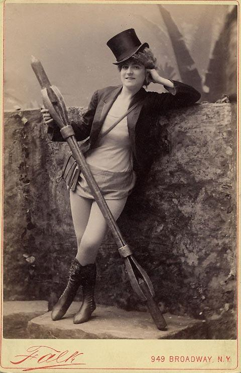 Incredible photos of exotic dancers from the 1890s — Lost At E Minor: For creative people