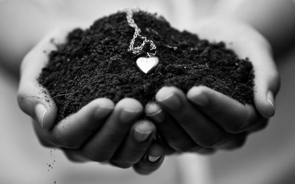 love,dirt love dirt monochrome necklaces hearts chain greyscale 1920x1200 wallpaper – Monochrome Wallpaper – Free Desktop Wallpaper