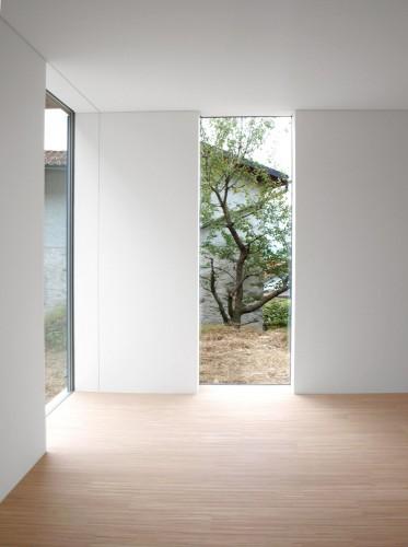 Locarno House / designyougo | ArchDaily
