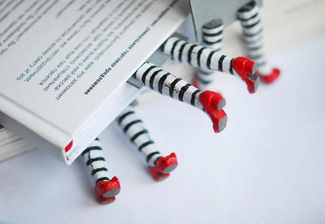 Print not Dead: 25 Creative Bookmark Designs | inspirationfeed.com
