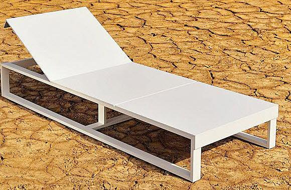 Contemporary garden deck chair with casters - LUNCH by Miguel Ângel Garcia - Oi side