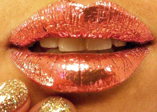 Fashion Watcher - metallic lips frenzy