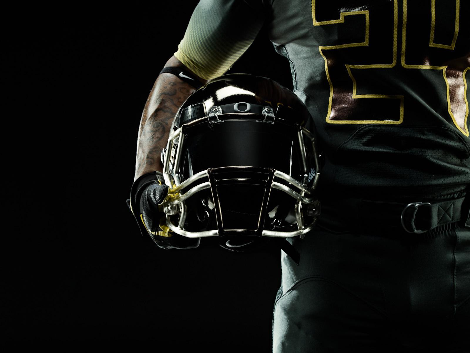 Les Oregon Ducks Uniformes Nike Pro Combat: Marcus Eriksson / Photographe