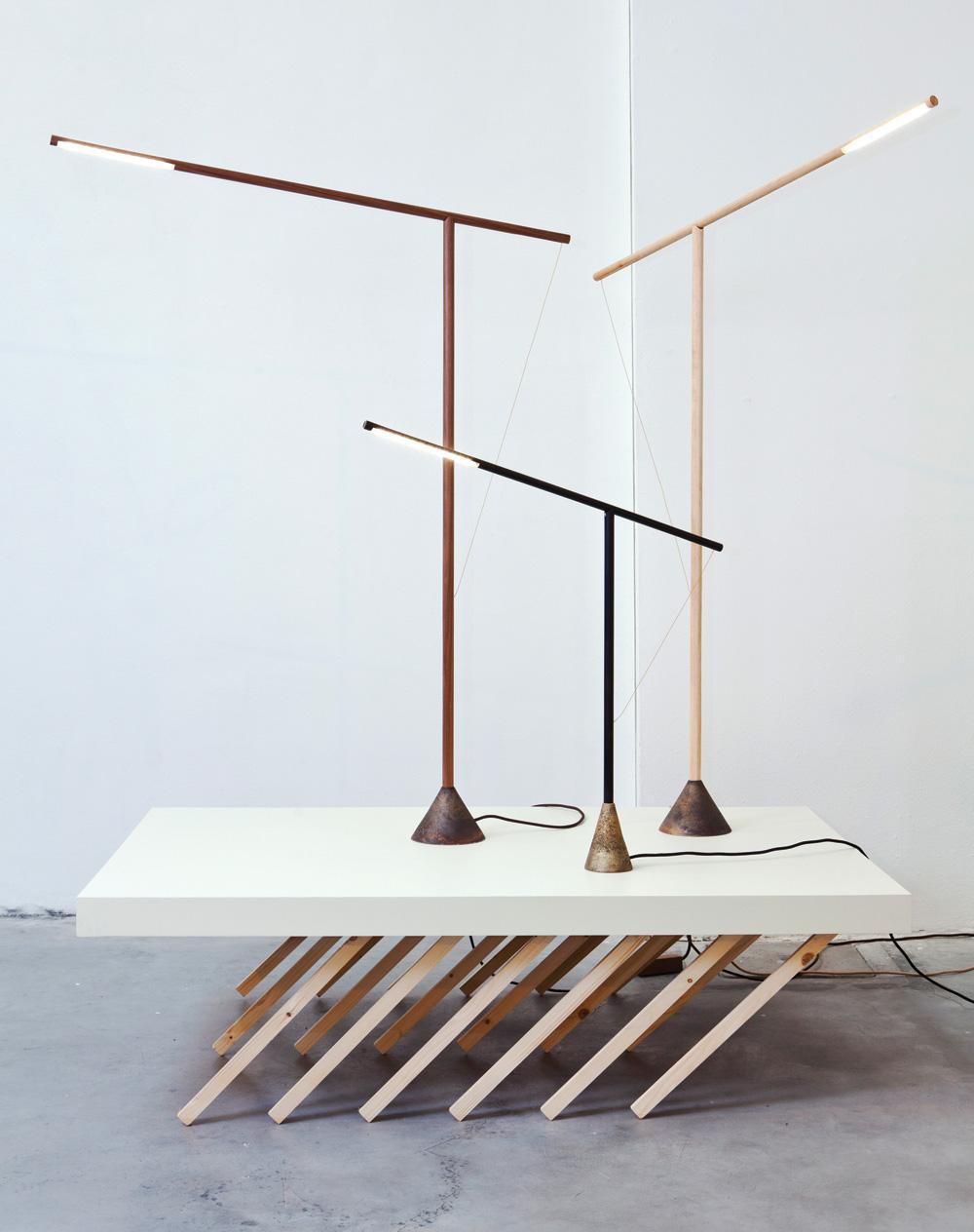 http://mocoloco.com/fresh2/upload/2012/05/balance_lamp_v20_by_mieke_meijer/balance_lamp_v2_mieke_meijer_2b.jpg