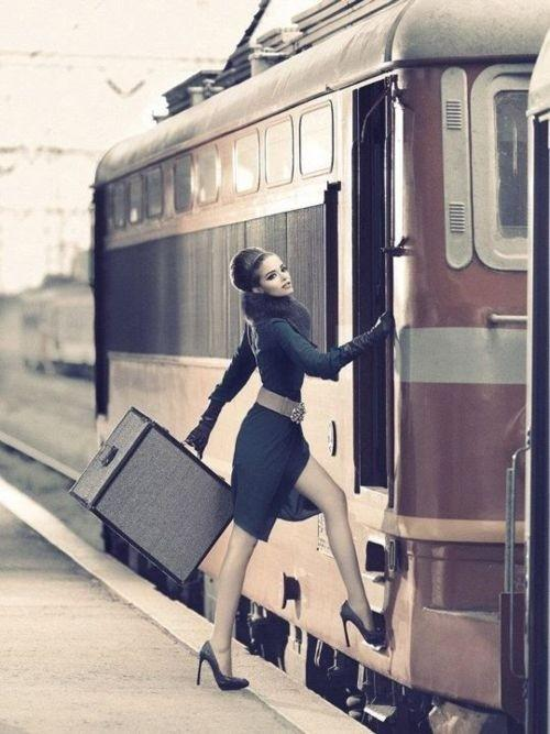 E / #fashion #train #baggage #haute_couture #style