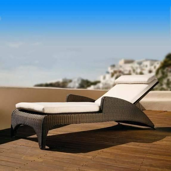 Barlow Tyrie Savannah Sun Lounger - GardenSite.co.uk
