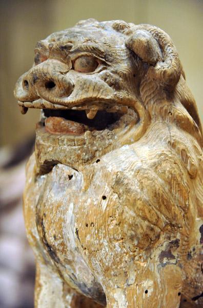 Guardian lion, Kamakura period (1185-1333) photo - Brian McMorrow photos at pbase.com