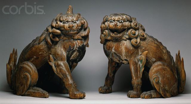 Kamakura Period Pair of Guardian Lion Dogs - IX004116 - Droits gérés - Photos de stock - Corbis