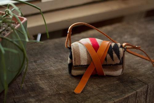diy project: wool camera wrap | Design*Sponge