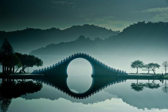 Prachtige foto's van The Moon Bridge In Taipei, Taiwan « Froot.nl