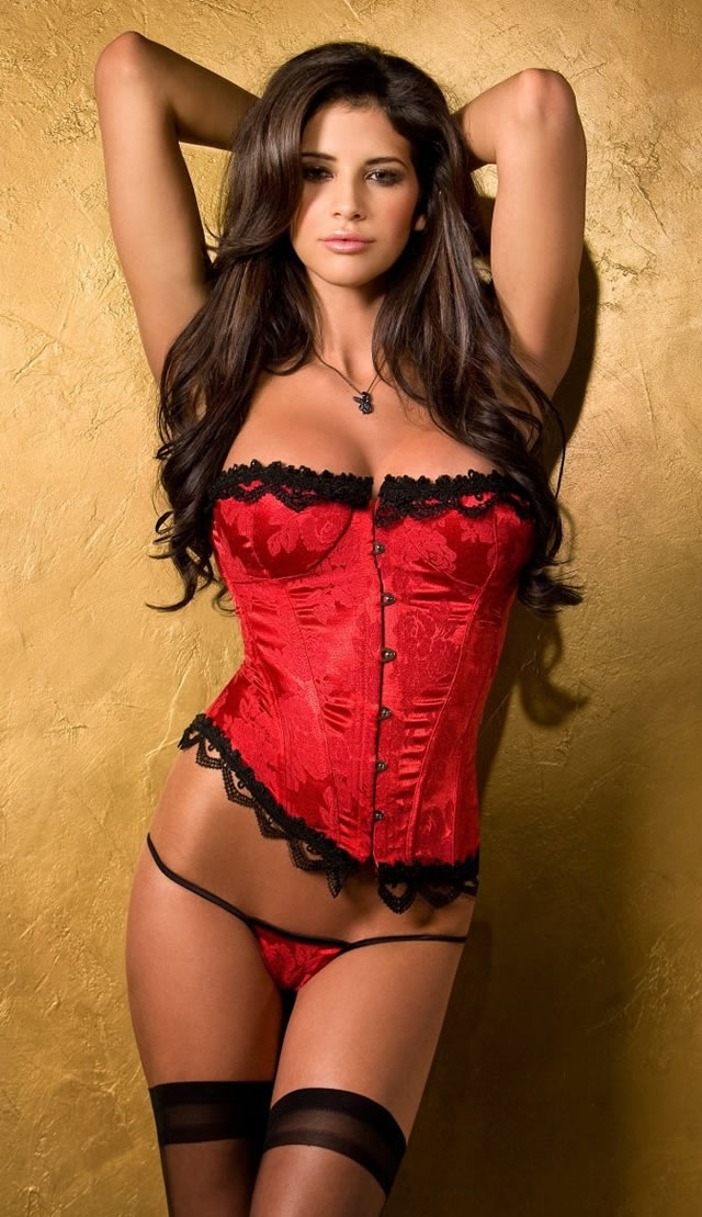 25 Mouth Watering Examples Of Hot Girls In Corsets - sexy girls,