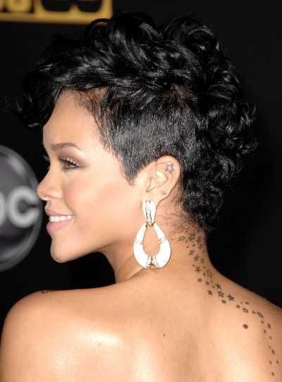Rihanna's short sexy hairstyle at the 2008 American Music Awards | SheKnows CelebSalon