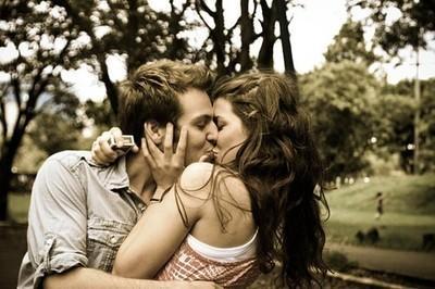 Gdy ją ujrzał, uśmiechnął się szeroko. Podbiegł - chodź tu i zaśnij obok mnie ♥ - paolinka9.pinger.pl