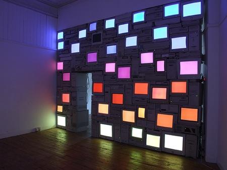 Monitor Wall von Sandy Smith | iGNANT