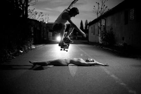 Trucks and Bones - longskate longboard paris: girl of the week