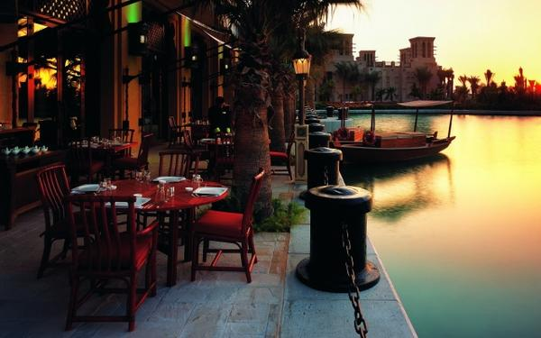 landscapes,water water landscapes architecture dubai restaurant terrace jumeirah beach hotel 2560x1600 wallpaper – Beaches Wallpaper – Free Desktop Wallpaper