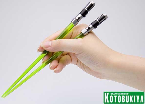 Lightsaber Chopsticks by Kotobukiya « CubeMe