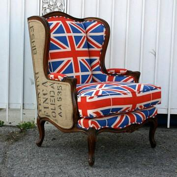 Chairs / God save the Queen...