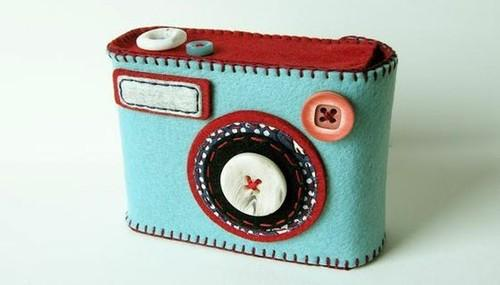 DIY Crafty / extra cute felt camera case