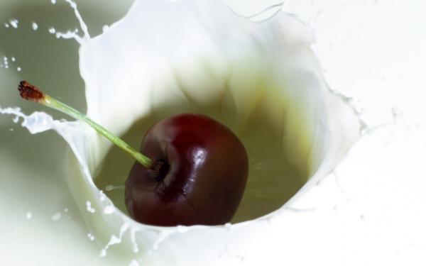milk,food,cherries milk food cherries Wallpaper – Food Wallpaper – Free Desktop Wallpaper